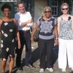 Tineke Drenthe, Gert Oostindie, Rose Mary Allen i Monica van Leeuwen-Laan di e grupo di investigashon – potrèt: RCN