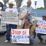 Trahadónan di Dòk ta protestá na ministerio di minister Palm – potrèt: Dick Drayer