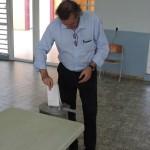 Peter van de Mosselaar, kandidato pa e lista nobo 'Ik Kies voor Eerlijk' ta vota – potrèt: Extra Boneiru