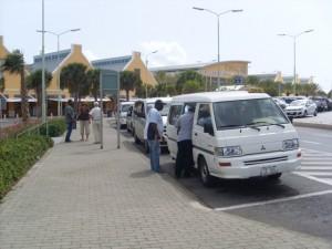 Taksistanan ta haña ku mester di mas seguridat na aeropuerto | Potrèt: José Manuel Dias