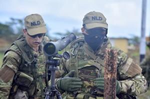 Dos militar riba e kaminda pa yega SDKK