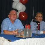 Dr. Cai Winkel i Dr. Homan Jeung durante charla tokante di HIV