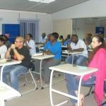 Eks-studiantenan durante enkuentro ku Marilyn  Alcala Walle Foundation