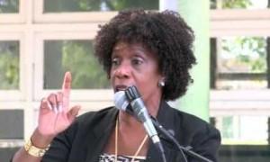 Minister Irene Dick | Potrèt: Deya Mensche