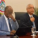 Minister Dennis Richardson i minister Marcel Gumbs (dr) – potrèt di archivo: Today / Hilbert Haar