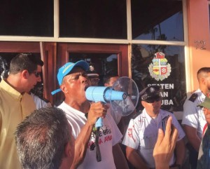 Lider sindical Rene Bernabela. Foto: Ariën Rasmijn