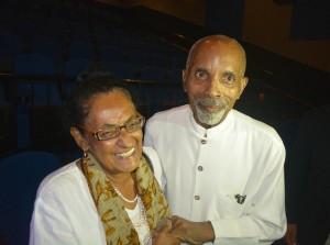 Frank Martinus Arion ku su kasá Trudy na aprel 2014 | Potrèt: Dick Drayer