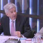 Minister Ronald Plasterk durante un debate.