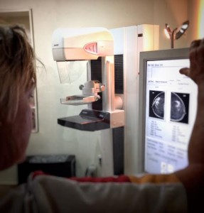Un bentaha di screening ta ku por kompará kòntròlnan anterior ku kòntròl nobo – potrèt: Elisa Koek