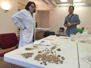 Osteoarkeólogo Darlene Weston i arkeólogo Raymundo Dijkhoff – potrèt: Ariën Rasmijn