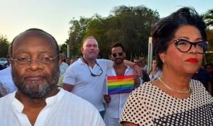 Sigur shen hende tabata presente na e 'Vigilia pa Orlando' | Potrèt: Dick Drayer