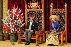 Rei Willem-Alexander ta lesa e Diskurso di Rei riba dia di apertura di aña parlamentario – potrèt: ANP Royal Images/ Sander Koning