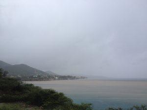 Oranan largu e santu di Playa Lagun i Playa Jeremi a laba bai laman – potrèt Anneke Polak